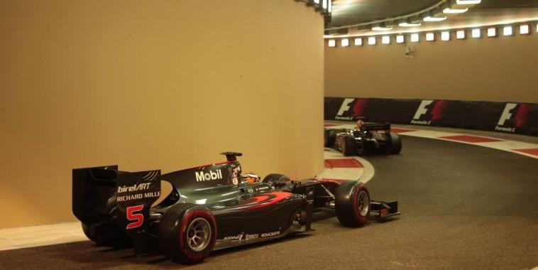 F1-2015-YAS-MARINA-TEST-PIRELLI-MARDI-1-Decembre-STOFFEL-VANDOORNE-Photo-Georges-DECOSTER.