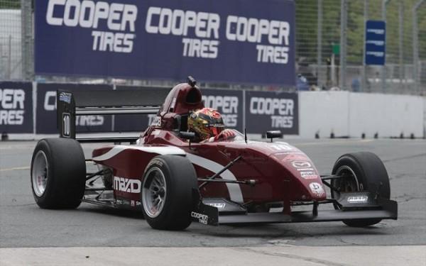 FLORIAN-LATORRE-victorieux-en-MAZDA-Pro-Series-a-TORONTO-le-13-juin-2015