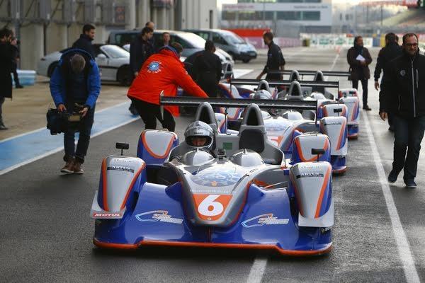 LE-MANS-PASSION-SHARE-16-Decembre-Les-navigateurs-en-piste-vont-decouvrir-le-pilotage-sur-le-circuit-BUGATTI-du-Mans-Photo-Olivier-BEROUD-ACO-VISION-SPORT-Agency