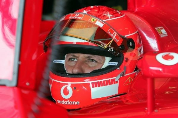 MICHAEL-SCHUMACHER-CASQUE-Scuderia-FERRARI-photo-Bernard-BAKALIAN.