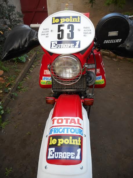 PLACE-PORT-N20-en-marge-de-lAFRICA-RACE-2016-La-moto-de-Patrick-LEHUE.