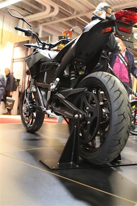 SALON-DE-LA-MOTO-2015-Stand-ZERO-Electrique-FXS-Photo-Jacques-SAMALENS-