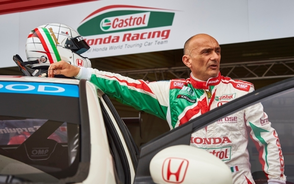 2015  EVENT:  Race of Argentina    TRACK:  Termas de Rio Hondo  TEAM:  Castrol Honda World Touring Car Team  CAR:  Honda Civic wtcc DRIVER:  Gabriele Tarquini