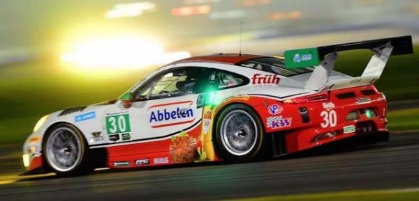 24-HEURES-DAYTONA2016-La-PORSCHE-911-GT3-R-du-FRIKADELLI-ROAR
