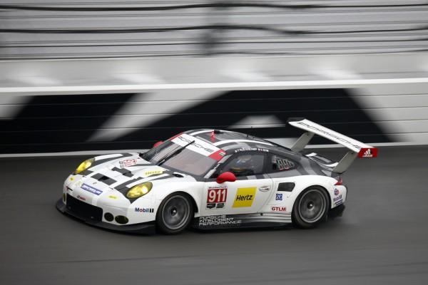 24 HEURES DE DAYTONA 2016 ---Porsche 911 RSR, Porsche North America de Patrick Pilet, Nick Tandy, Kevin Estre