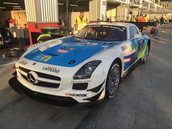 24 HEURES DE DUBAI 2016 La MERCEDES SLS AMG de l equipe IDEC