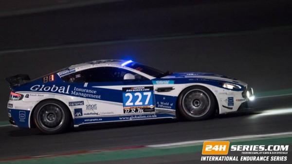 24-HEURES-de-DUBAI-2016-ASTON-MARTIN-Vantage-GT4-du-Speedworks-Motorsport