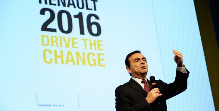 CARLOS GHOSN au Salon de FRANCFORT le mardi 15 Septembre 2015