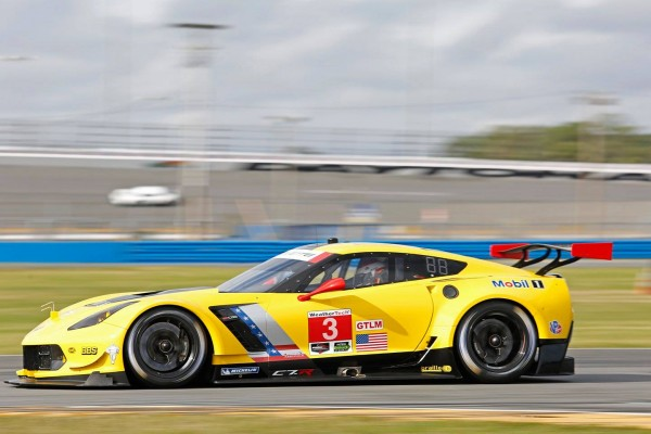 DAYTONA 2016 ROAR before La CORVETTE GM N°3.