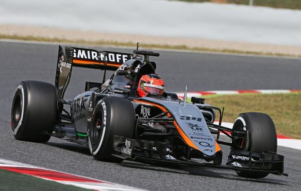 .F1-2015-BARCELONE-Test-PIRELLI-12-Mai-ESTEBAN-OCON-au-volant-