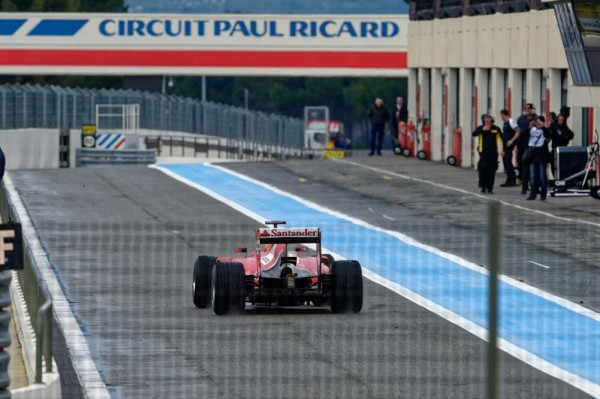 F1-2016-Essais-au-PAUL-RICARD-le-lundi-25-janvier-2016-La-FERRARI-avec-KIMI-RÄIKKONEN-Photo-Antoine-CAMBLOR-