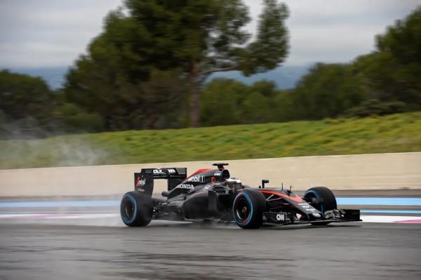 F1-2016-Essais-au-PAUL-RICARD-le-lundi-25-janvier-2016-La-McLAREN-HONDA-avec-Stoffel-VANDOORNE-Photo-Antoine-CAMBLOR-