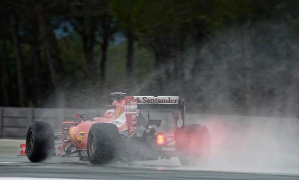 F1-2016-PAUL-RICARD-Essai-PIRELLI-Pneus-pluie-Lundi-25-Janvier-La-FERRARI-de-Kimi-RÄIKONNEN-Photo-Antoine-CALBLOR-
