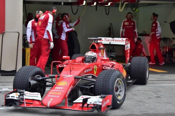 F1-2016-PAUL-RICARD-Essai-PIRELLI-Pluie-lundi-25-Janvier-La-FERRARI-de-KIMI-RÄIKKONEN-Photo-Max-MALKA
