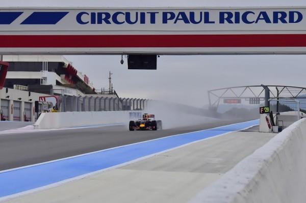 F1-2016-PAUL-RICARD-Essai-Pneumatiques-PIRELLI-Daniil-KVYAT-Team-RED-BULL-mardi-26-Janvier-Photo-Max-MALKA.