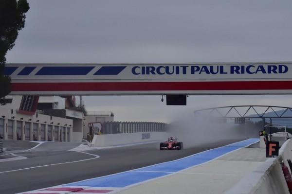 F1-2016-PAUL-RICARD-Essai-Pneumatiques-PIRELLI-La-FERRARI-de-Seb-VETTEL-mardi-26-Janvier-Photo-Max-MALKA