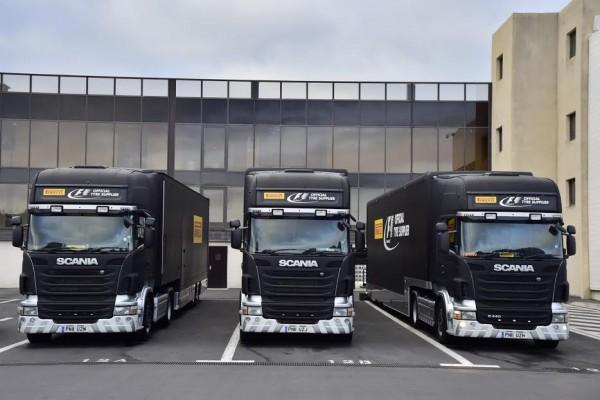 F1-2016-PAUL-RICARD-Essai-Pneumatiques-PIRELLI-Les-camions-transportant-les-pneus-mardi-26-Janvier-Photo-Max-MALKA