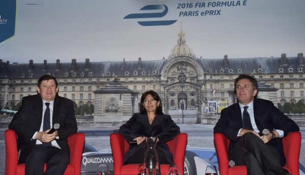 FORMULA-E-GP-de-PARIS-2016-Patrick-KANNER-Anne-HIDALGO-et-Alejandro-AGAG-Hotel-de-Ville-de-PARIS-Mercredi-13-janvier-Photo-Max-MALKA.