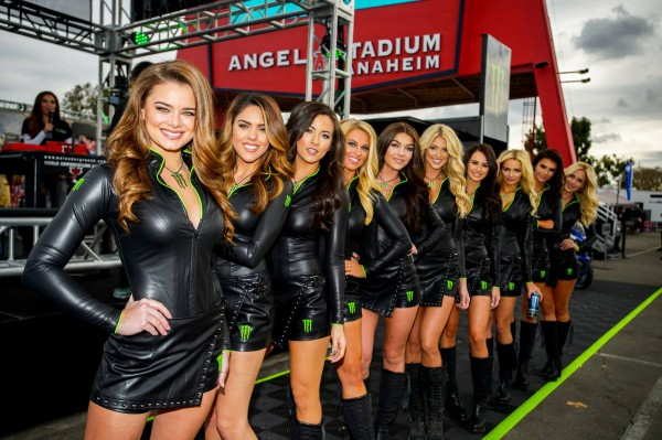 GRID GIRLS MONSTER AU SUPERCROSS D ANAHEIM