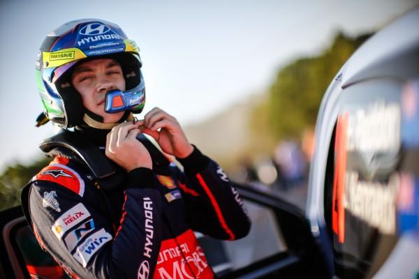Hyundai-i20-WRC-20. DE HAYDEN PADDON