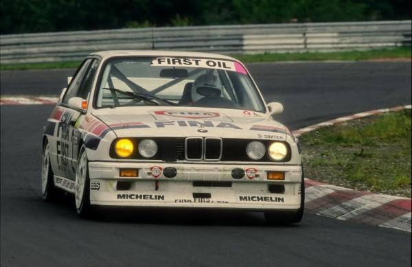 Johnny-CECOTTO-24-Heures-Nürburgring-1992-Vainqueur-avec-Christian-DANNER-Jean-Michel-MARTIN-et-Marc-DUEZ-©-Manfred-GIET