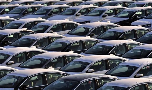 PARC AUTOMOBILE -STOCK VOITURES SORTIE USINE