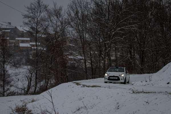 WRC-2016-MONTE-CARLO-La-DS3-de-DUBERTet-POUJOL-pendant-les-recos