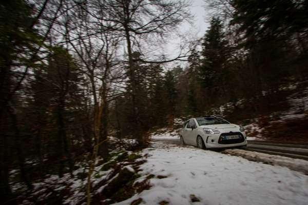 WRC-2016-MONTE-CARLO-La-DS3-de-VIncent-DUBERT-et-Sebastien-POUJOL-pendant-les-essais-en-reconnaissance