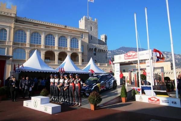 WRC-Monté-Carlo-2016-La-cérémonie-de-remise-des-prix-aux-trois-premiers-devant-le-Palais-Princier-en-Principauté-photo-Jean-François-THIRY.
