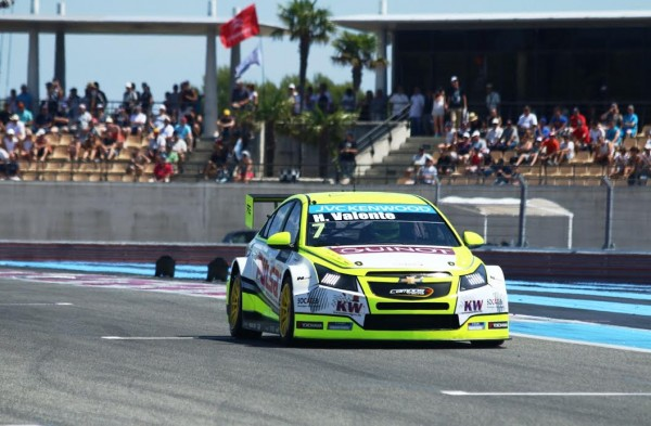 WTCC 2015 PAUL RICARD La CHEVROLET CRUZE de VALENTE - Photo Jean François THIRY.