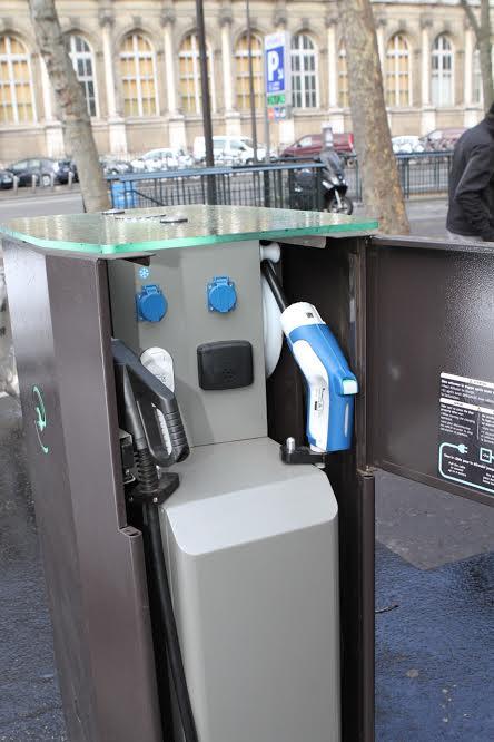 belib-la-borne-multiprises-ouverte-à-tous-les-types-de-véhicules