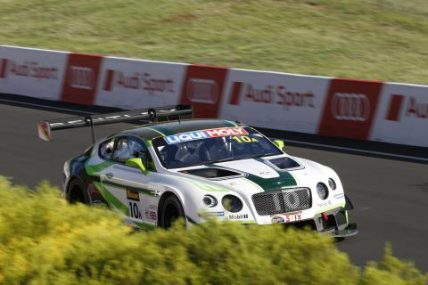 12-HEURES-de-BATHURTS-La-BENTLEY-N°10