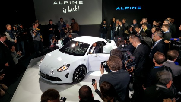 ALPINE-A120-Présentation-a-MONACO-le-mardi-16-fevrier-2016