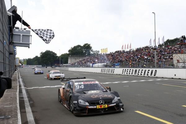 DTM 2015 -La MERCEDES de Pascal WEHRLEIN remporte le titre 2015