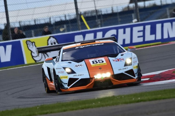 ELMS-2015-SILVERSTONE-11-Avril-La-LAMBORGHINI-du-Team-GULF-UK-Photo-Max-MALKA.