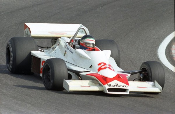 F1-1977-Hector-REBAQUE-Hesketh-308-E-au-GP-de-Hollande-1977©-Manfred-GIET.