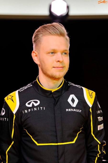 F1-2016-3-fevrier-KEVIN-MAGNUSSEN-devient-pilote-RENAULT.