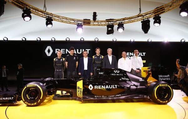 F1-2016-3-fevrier-Prsentation-nouvelle-equipe-RENAULT-avec-le-Président-Carlos-GHOSN-les-trois-pilotes-MAGUSSEN-PALMER-et-OCON-avec-VASSEUR-et-ABTITEBOUL.