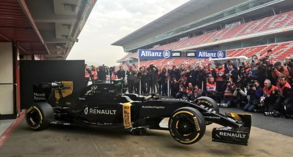 F1 2016 - Lundi 22 février Présentation Nouvelle equipe RENAULT Photo Antoine CAMBLOR
