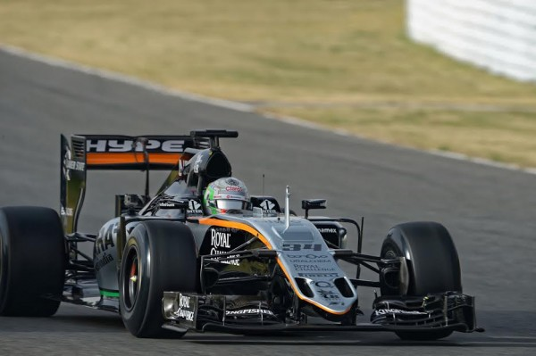 F1 2016 - MONTMELO - 22 fevrier - FORCE INDIA de Alfonso CELIS - Photo Antoine CAMBLOR