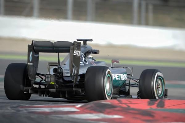 F1 2016 - MONTMELO - 22 fevrier - MERCEDES de LEWIS HAMILTON - Photo Antoine CAMBLOR