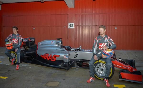 F1-2016-MONTMELO-22-fevrier-Pérsentation-Equipe-HAAS-F1-Photo-Antoine-CAMBLOR.
