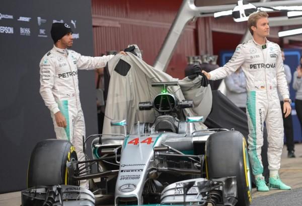 F1-2016-MONTMELO-22-fevrier-Présentation-Equipe-MERCEDES-Photo-Antoine-CAMBLOR