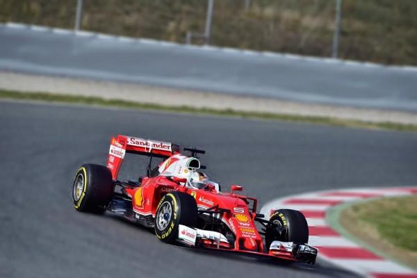 F1-2016-MONTMELO-23-février-La-FERRARI-de-Sebastian-VETTEL-de-nouveau-la-plus-rapide-ce-mardi-Photo-Max-MALKA