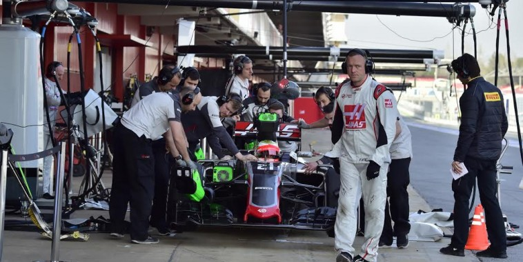 F1-2016-MONTMELO-Jeudi-25-Fevrier-Stand-HAAS-Photo-Max-MALKA