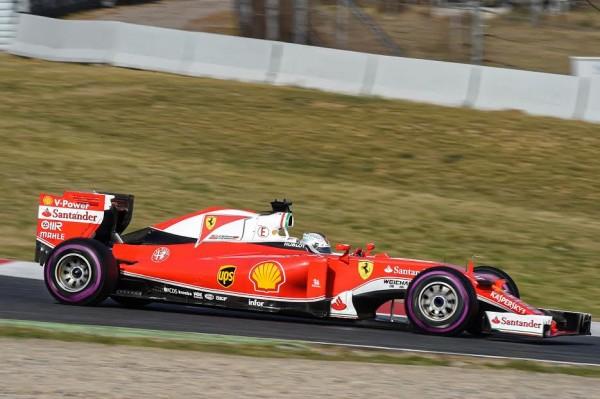 F1-2016-MONTMELO-Mardi-23-février-La-FERRARI-de-Sebastian-VETTEL-Photo-Antoine-CAMBLOR