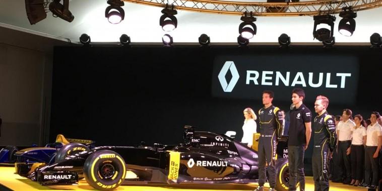 F1-2016-RENAULT-Presentation-Team-Mercredi-3-fevrier-Avec-les-trois-pilotes-PALMER-MAGNBUSSEN-et-OCON
