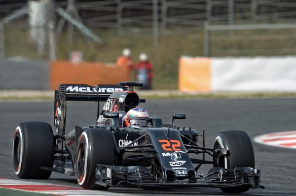 F1-2016-Test-MONTMELO-22-fevrier-McLAREN-HONDA-de-Jenson-BUTTON-Photo-Antoine-CAMBLOR.