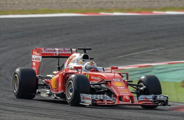 F1 2016 Test MONTMELO 22 fevrier - Seb VETTEL FERRARI - Photo Antoine CAMBLOR