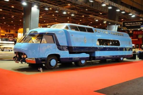 Rétromobile-2016-Létonnant-camion-publicitaire-Pathe-Marconi-sauveur-de-la-destruction-par-son-concepteur-Philippe-Charbonneaux-Photo-Charles-Emme